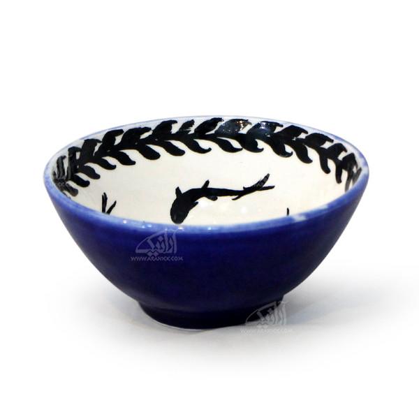 کاسه سفالی آرانیک نقاشی زیر لعابی رنگ آبی طرح ماهی مدل  1004000020