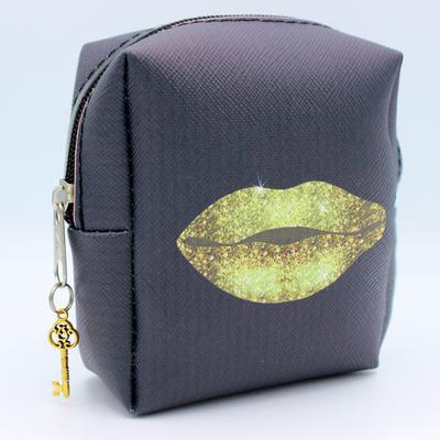 کیف نوار بهداشتی طرح لب کد IDM 318