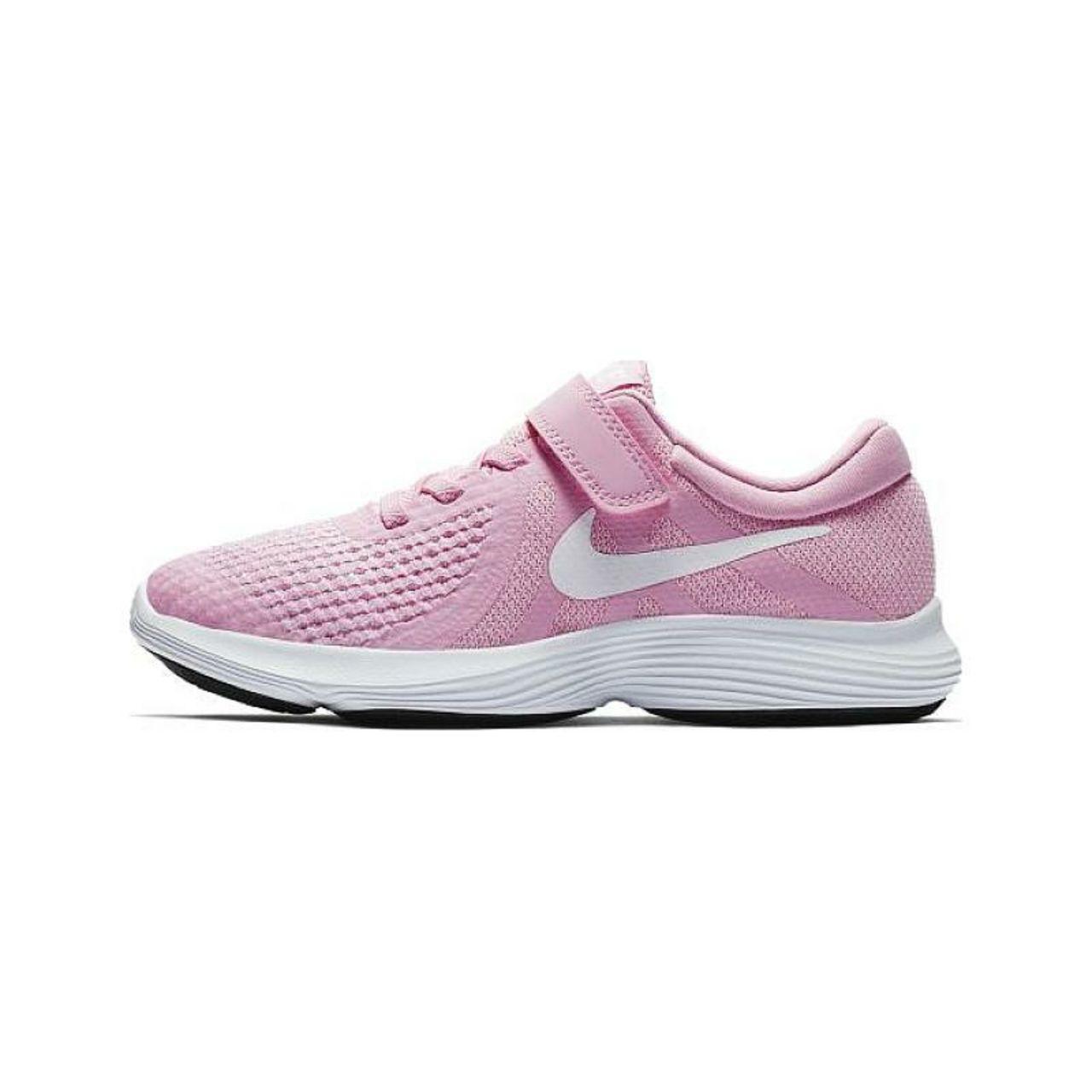 کفش مخصوص پیاده روی دخترانه نایکی مدل REVOLUTION 4
