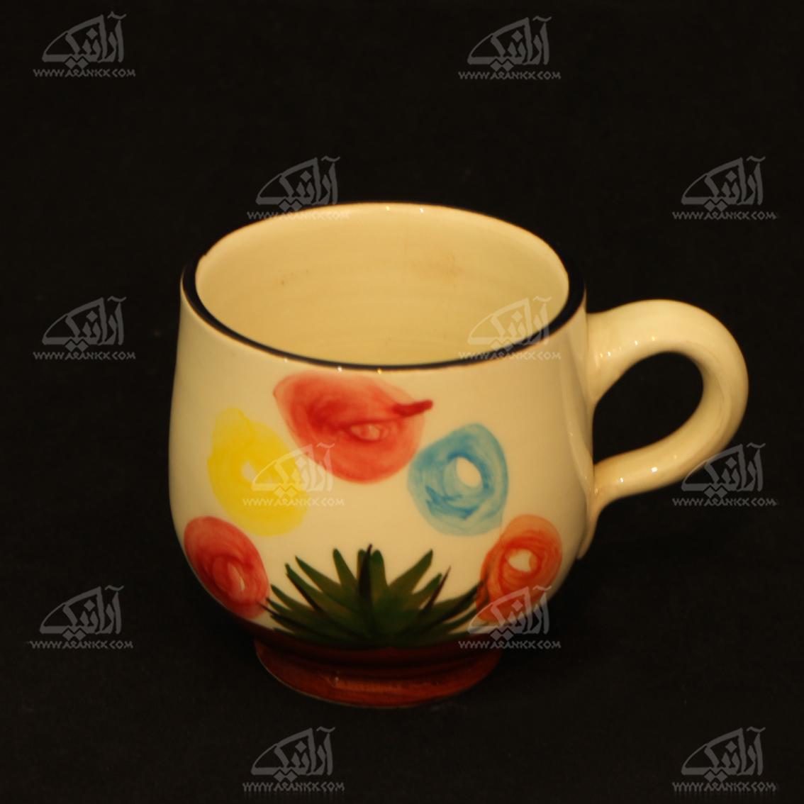 لیوان سفالی آرانیک دسته دار نقاشی زیر لعابی   رنگ کرمی  طرح گل  مدل 1002900023