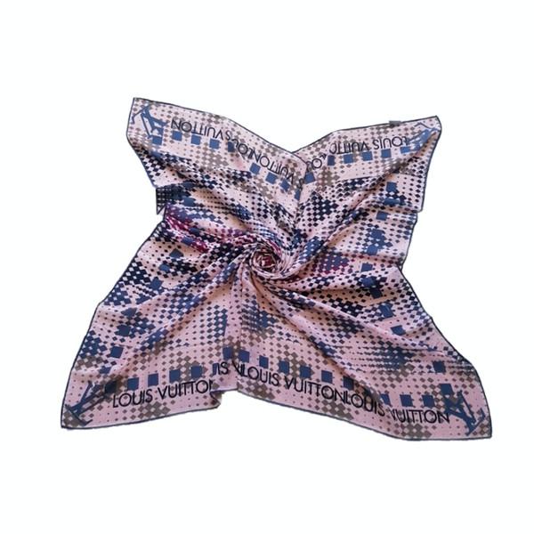 روسری زنانه لویی ویتون مدل شطرنجی 550210