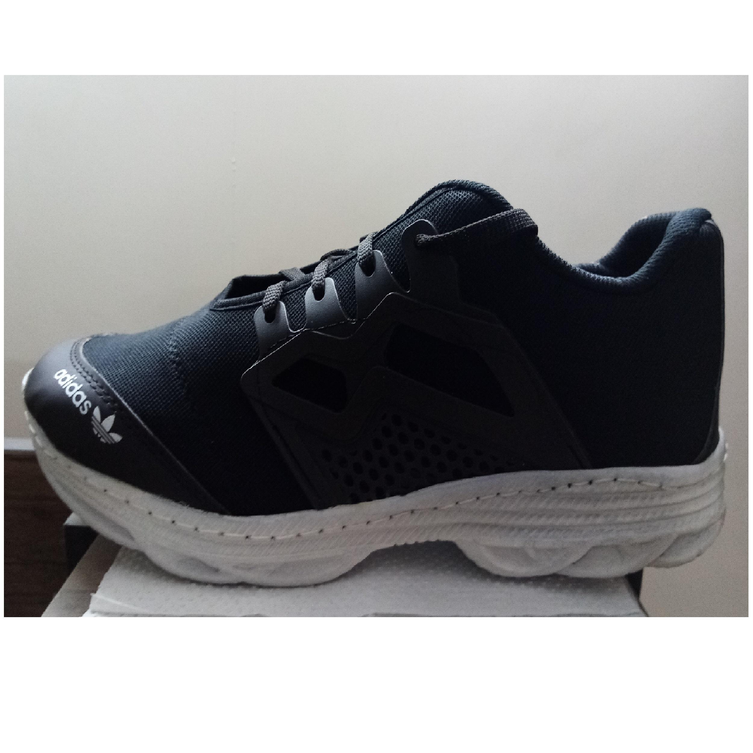 کفش مخصوص دویدن مردانهمدل 2928                     غیر اصل
