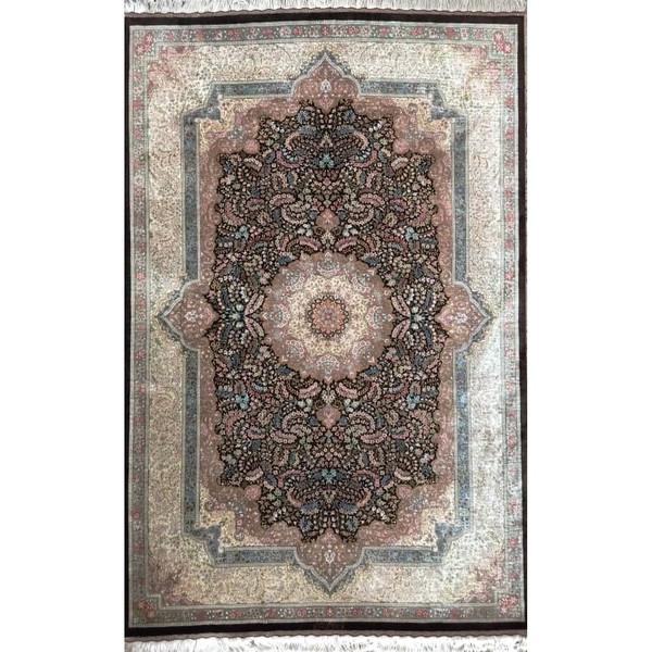 فرش دستباف سه متری مدل لچک ترنج کد 2084