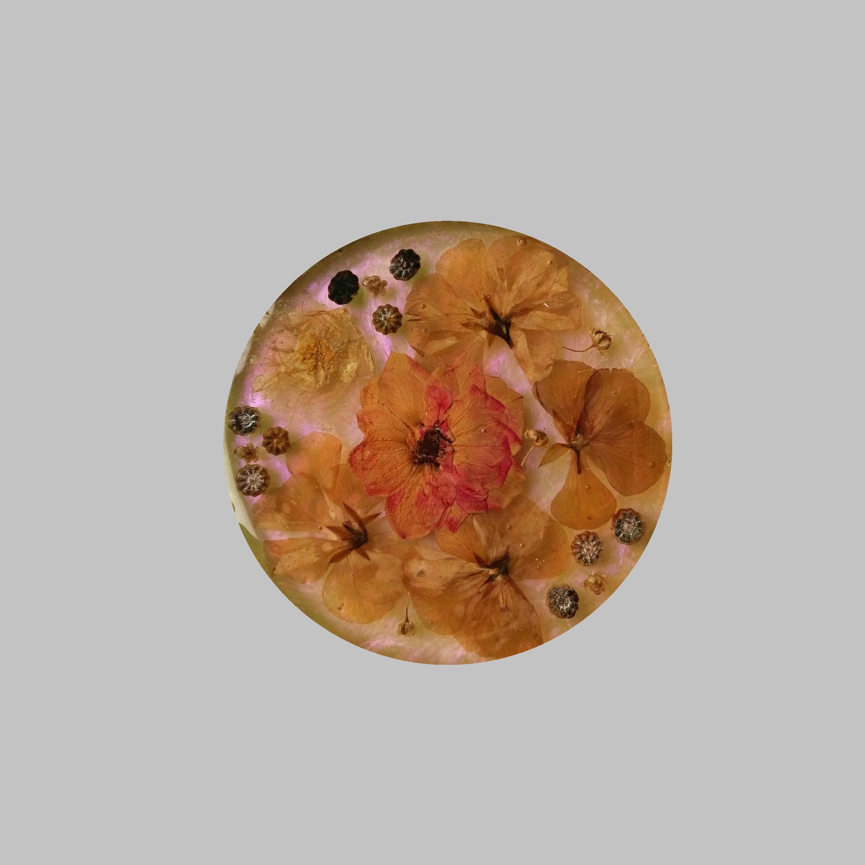 زیر لیوانی رزینی مدل گل طبیعی
