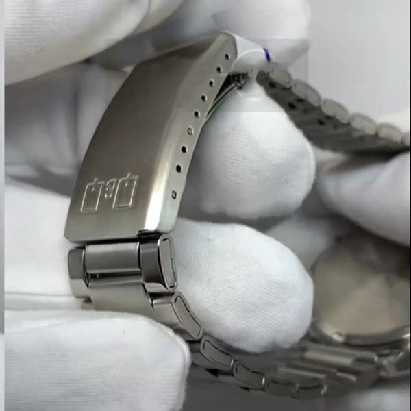 ساعت مچی عقربه ای کیو اند کیو مدل s394j222y