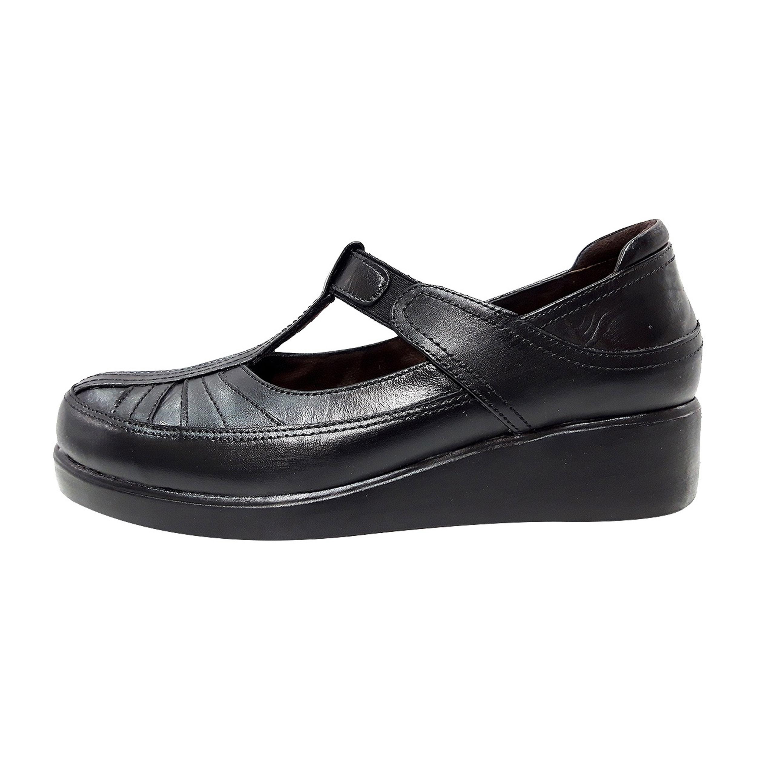 خرید                      کفش روزمره زنانه روشن مدل 301 کد 01