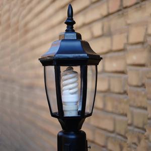 چراغ حیاطی مدل رزا 02 همراه با لامپ 18وات
