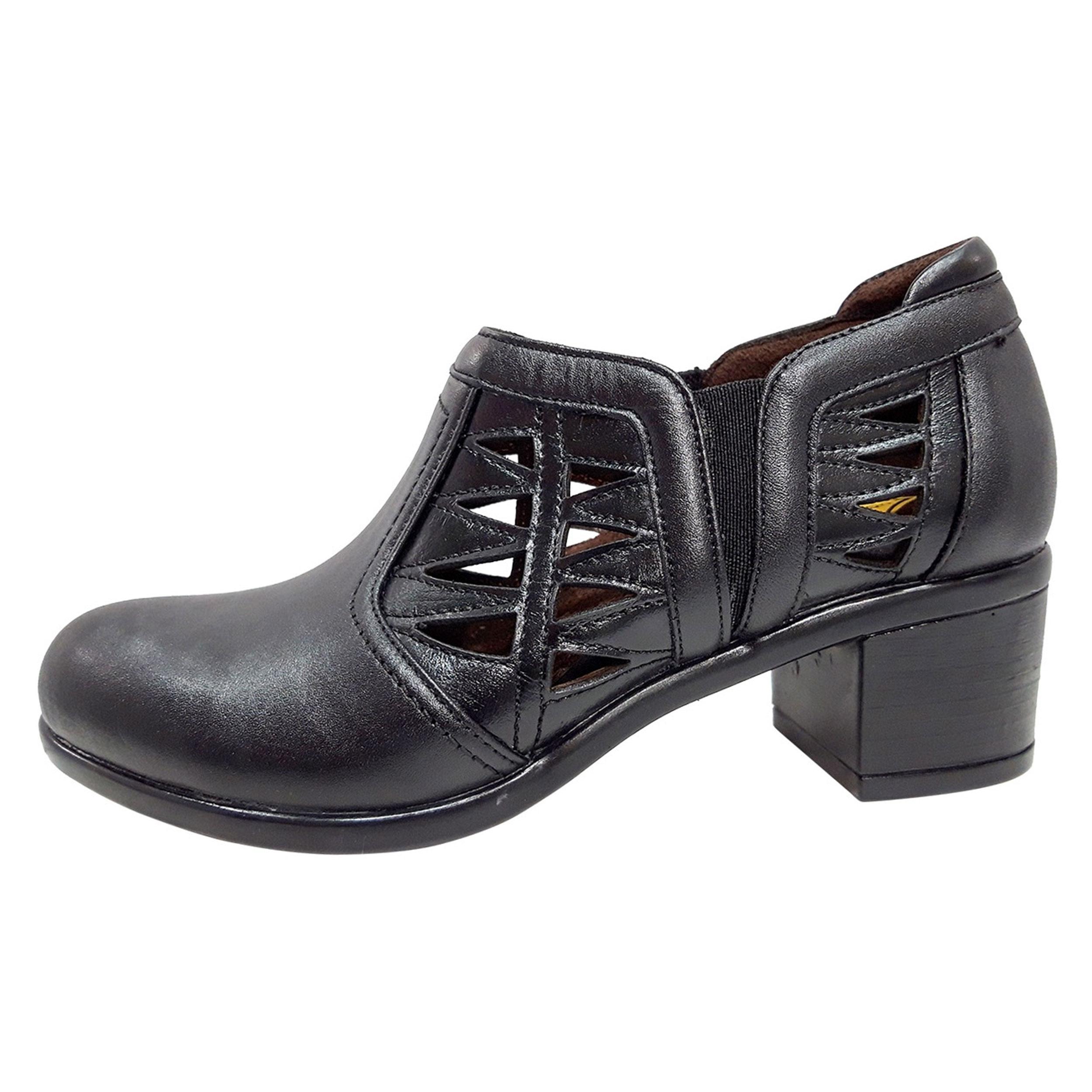 خرید                      کفش زنانه روشن مدل خانمی کد 01