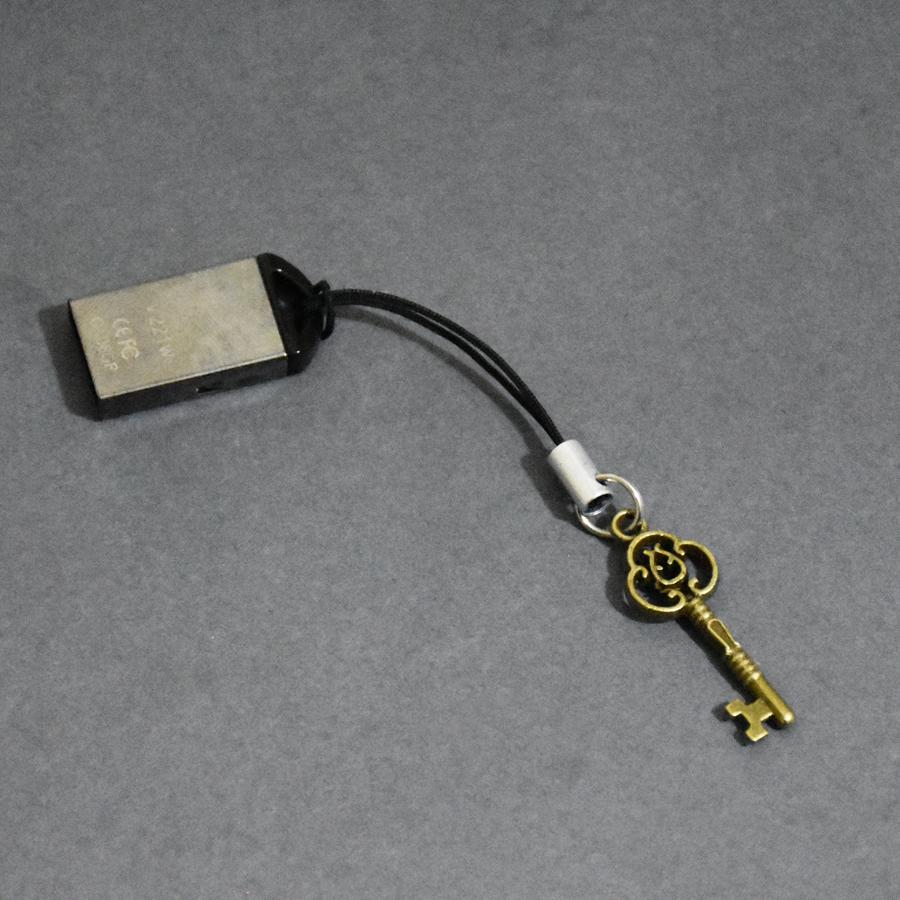 بند نگهدارنده فلش مموری طرح کلید مدل B