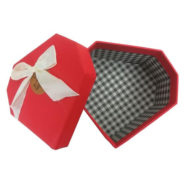 خرید                      جعبه هدیه طرح الماس مدل 383
