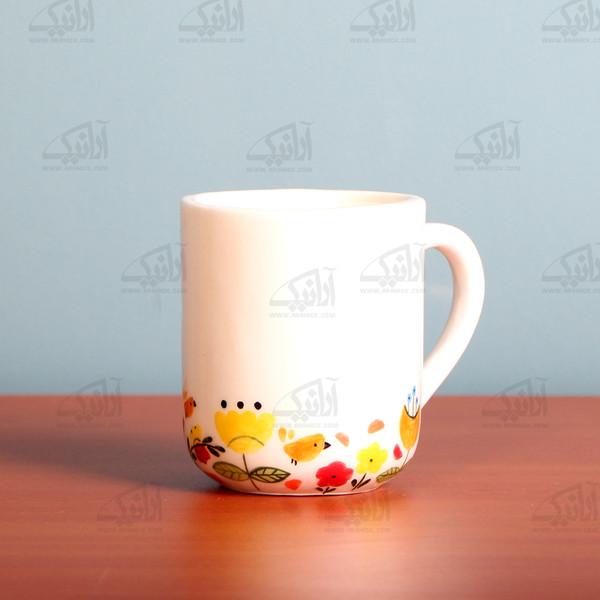 لیوان سفالی آرانیک دسته دار نقاشی زیر لعابی رنگ سفید طرح بوستان مدل 1002900008