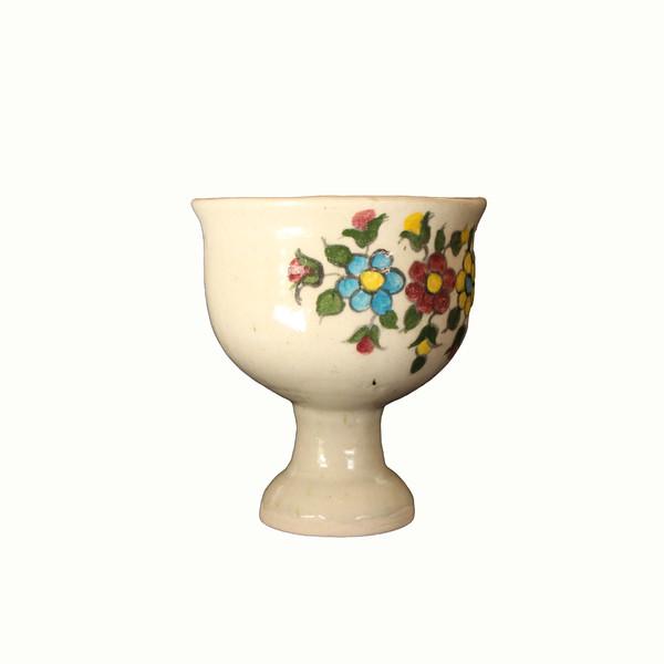 گلدان سفالی نقاشی رولعابی  سفید طرح گل مدل 1015800007