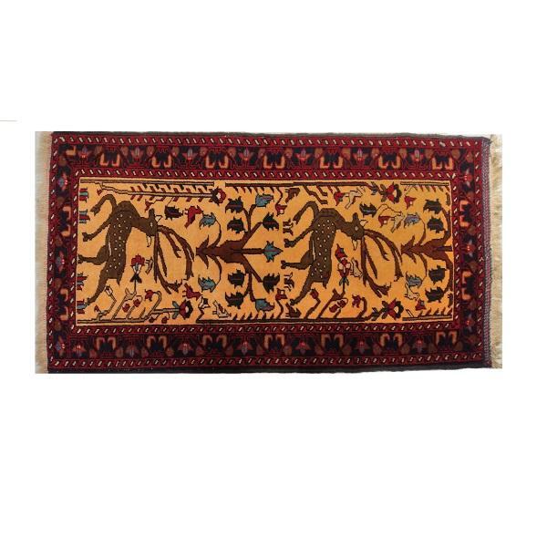 گلیم فرش دستباف یک متری بافت بلوچ مدل گوزن کد 10048