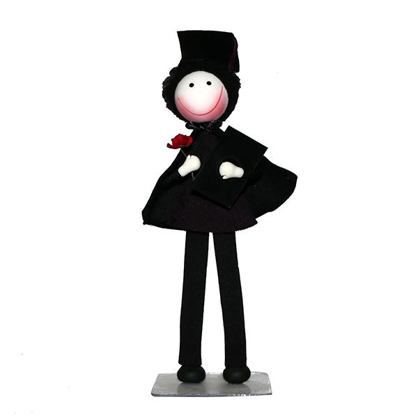 عروسک سوزی مدل پسر فارغ التحصیل هیرو کد 1112 ارتفاع 28 سانتی متر
