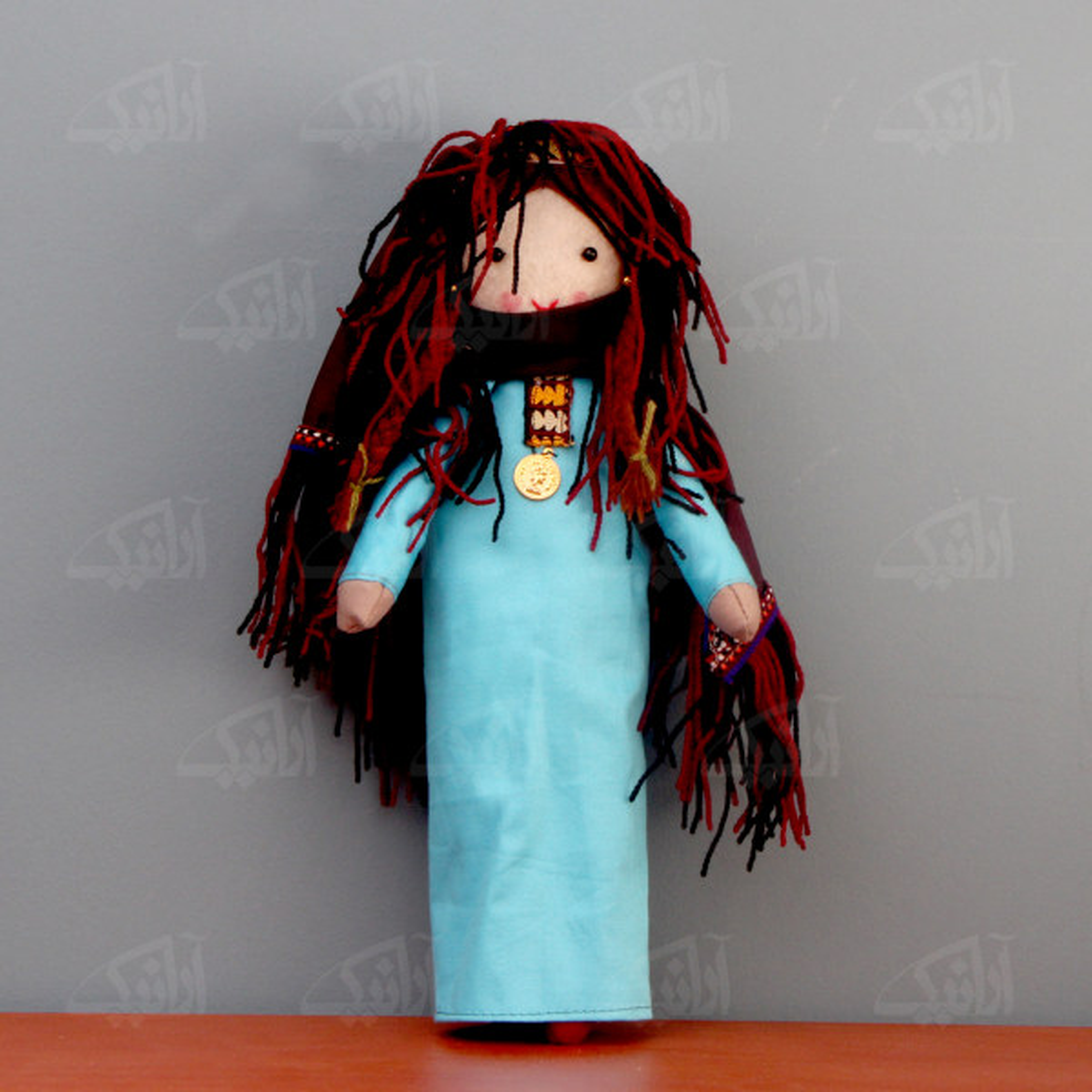 عروسک پارچه ای دست دوز  رنگ آبی طرح بی بی نار مدل 1606800002