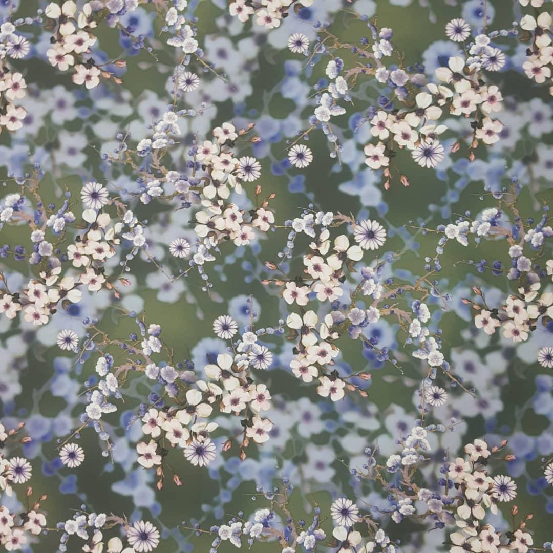 خرید                      پارچه لباس طرح گل کد 1061