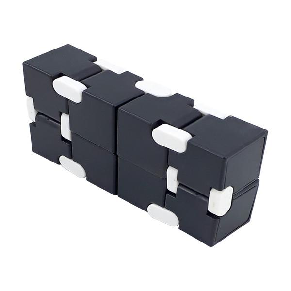 فیجت ضد استرس دنیای سرگرمی های کمیاب طرح اینفینیتی کیوب مدل DSK-A4362