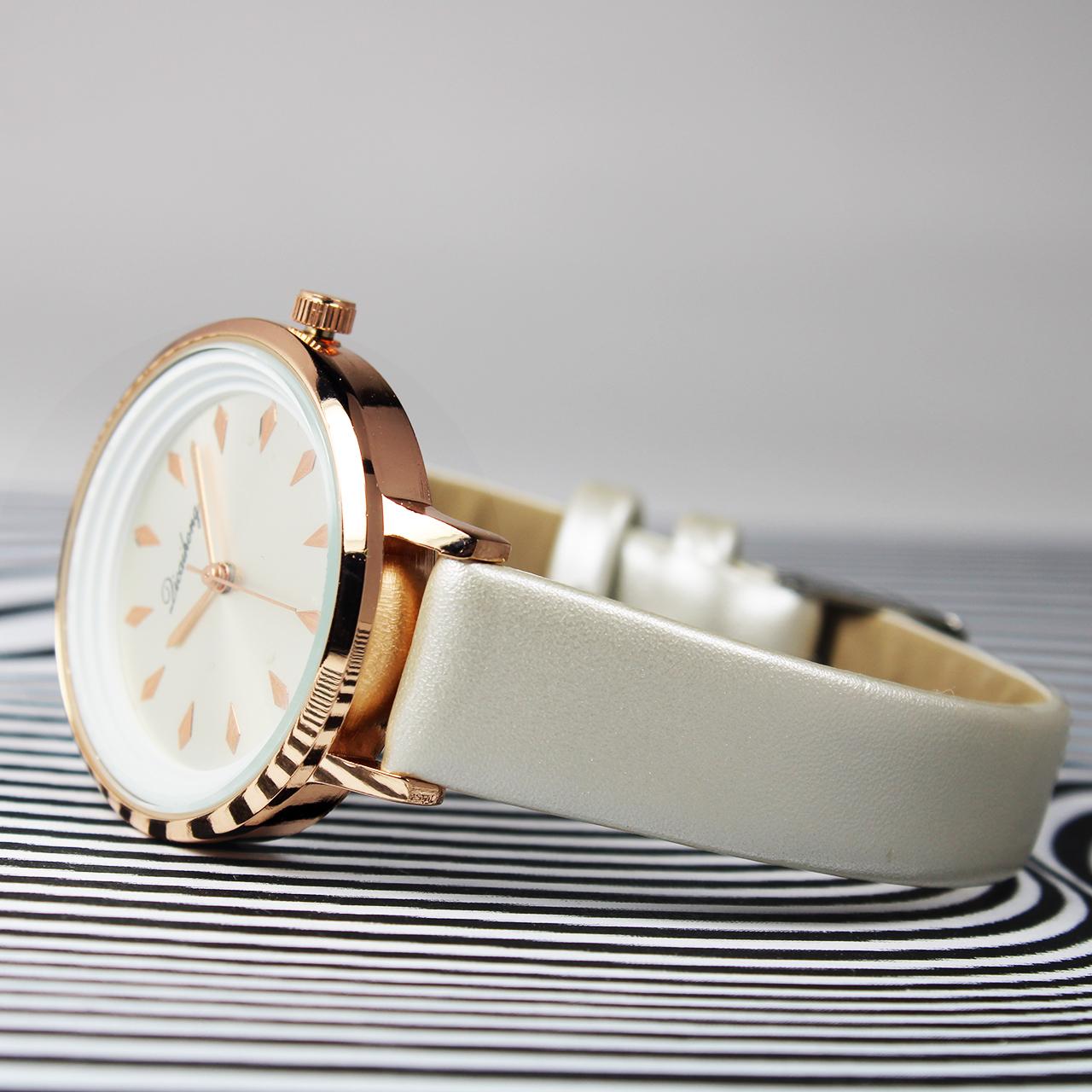 ساعت مچی  زنانه دیکایهونگ مدل D004