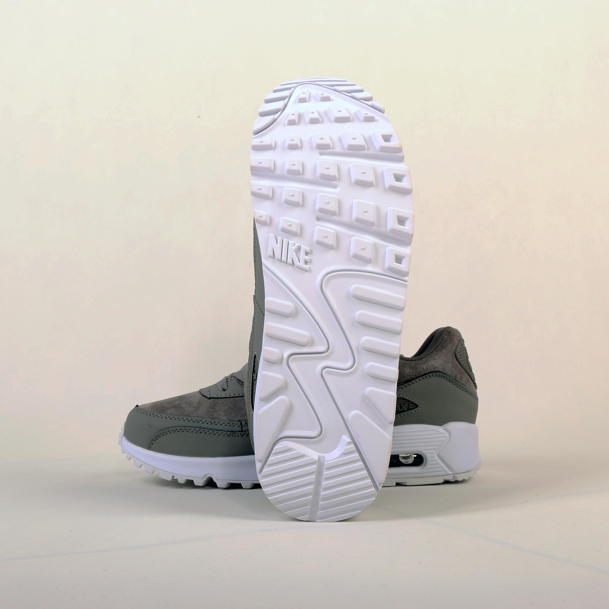 کفش مردانه ورزشی نایکی مدل 768887-600