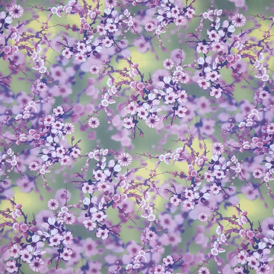 خرید                      پارچه لباس طرح گل کد 1062
