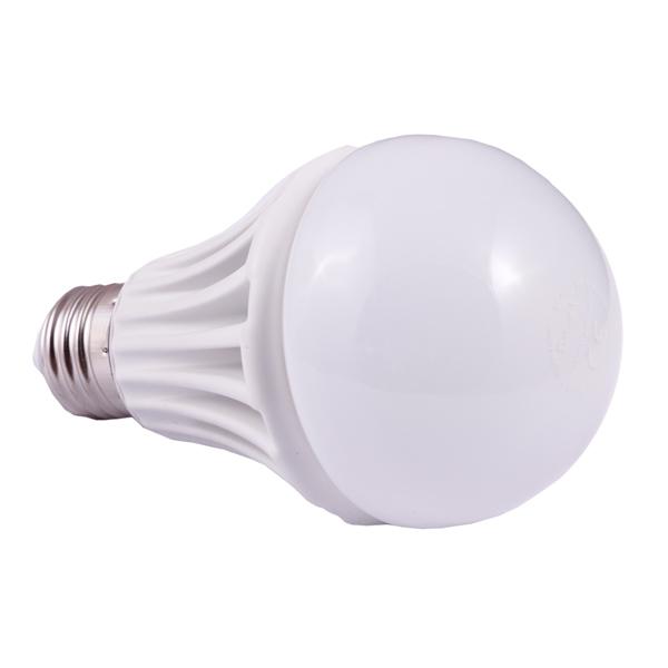 لامپ ال ای دی 9 وات دیلایت کد 927 پایه E27