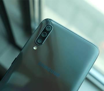 گوشی موبایل سامسونگ Samsung Galaxy A70-6/128GB